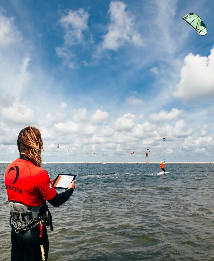 Kitesurfing school software